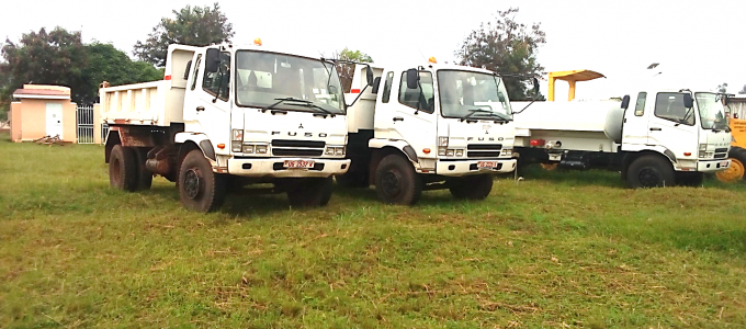 Dump trucks and a water bowser part of the six road maintenance equipment Kiryandongo received from the Ministry of Works and Tr